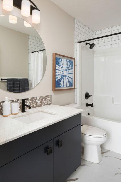 118 main bathroom