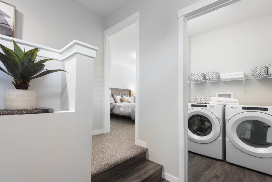 Lola Upper Laundry